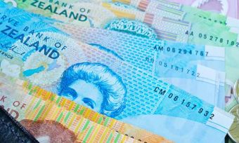kiwis fall behind with retirement savings